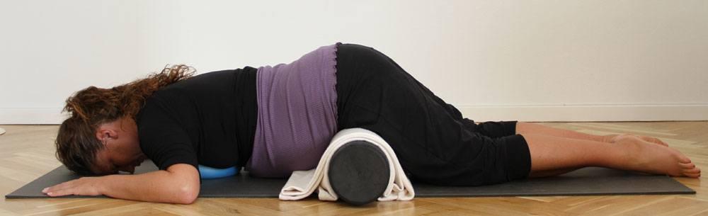 Tip til at ligge på maven med din gravide mave