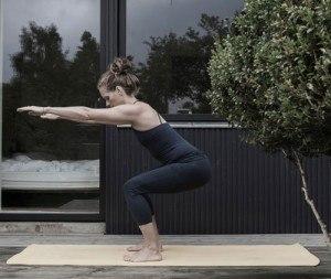 elin-squat