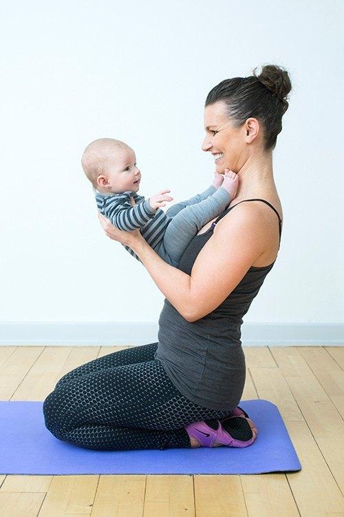 Baglæns og forlæns kolbøtte til baby