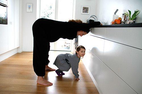 Skøn stilling og stræk for mor og baby