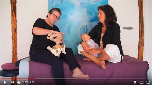 Hvad gør den vaginale fødsel ved babys kranie?